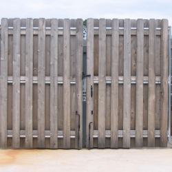 shadowbox-steel-frame-dumpster-gate-2